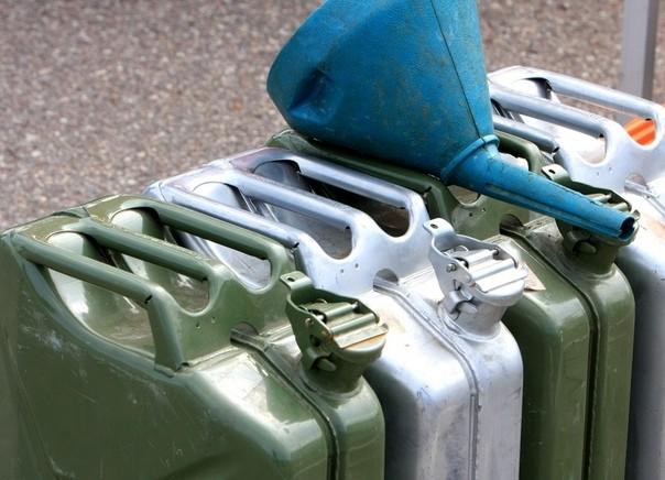 Машинисты пытались похитить более 700 литров топлива в Тверской области