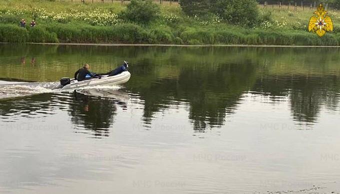 Под Тверью в реке утонул человек