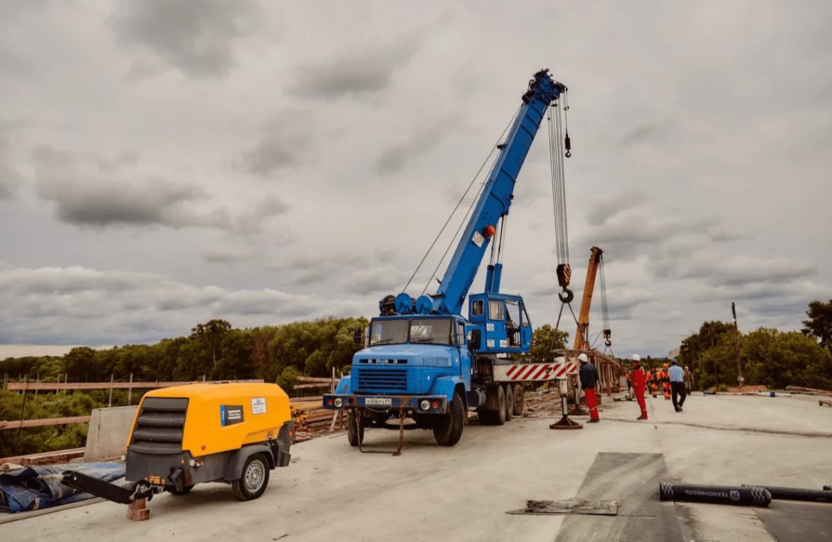 Администрация Твери объяснила очередной перенос сдачи Крупского моста
