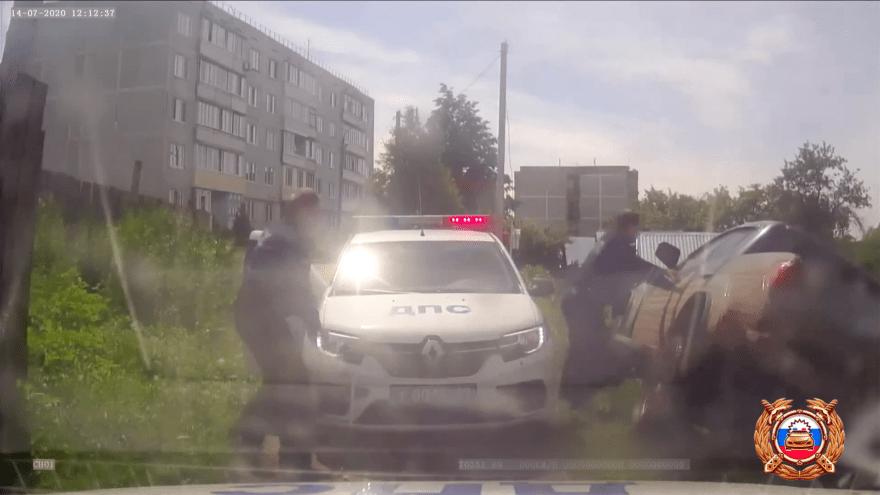 Появилось видео полицейской погони в Тверской области