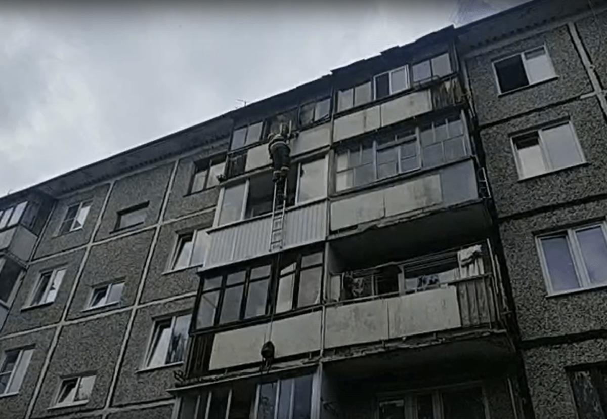9-летнему мальчику из Твери, запертому в квартире, понадобилась помощь спасателей