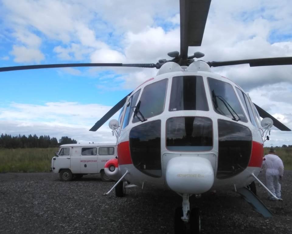 Двух пациентов с тяжелыми сердечно-сосудистыми заболеваниями доставили в Тверь по воздуху