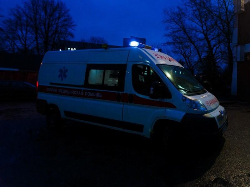 В Твери машина скорой помощи была вынуждена уступить дорогу такси