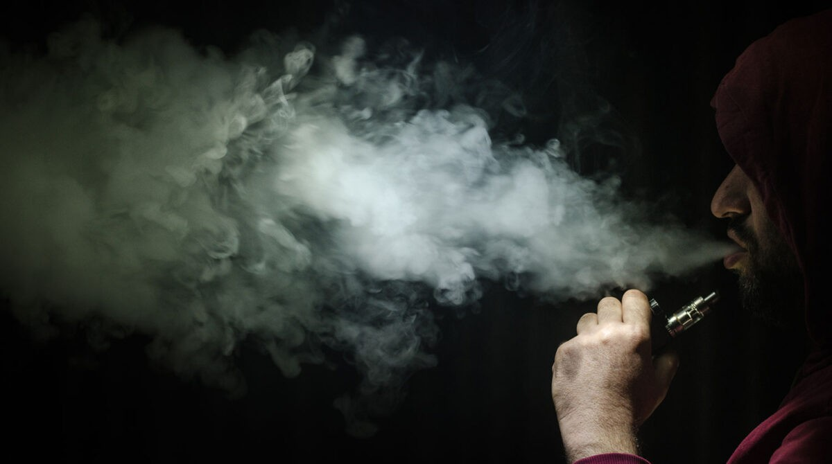 Задержали тверского предпринимателя, который торговал никотиновыми леденцами и наркотическим мармеладом