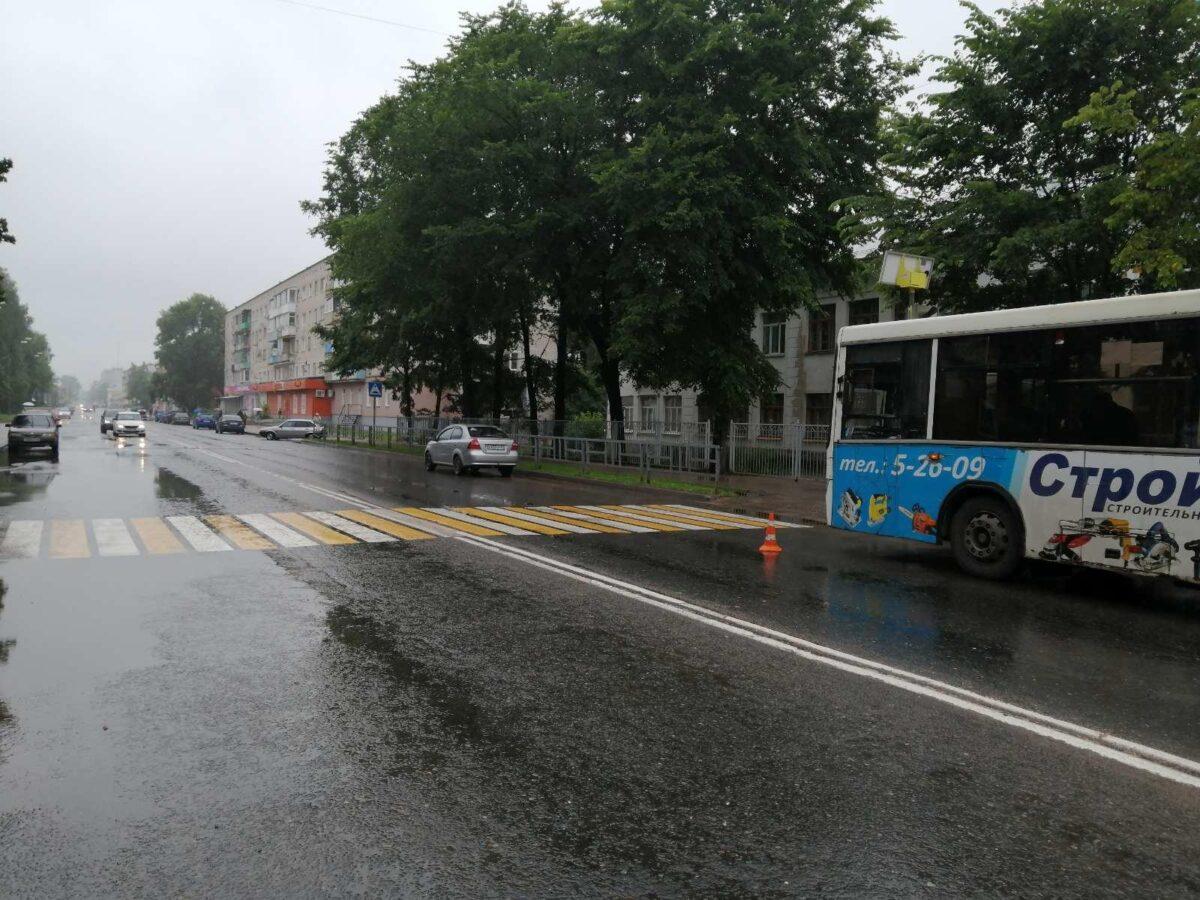 В Тверской области увезли в больницу женщину, упавшую в автобусе