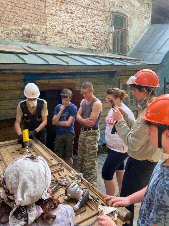 В Тверской области во время ремонта дома нашли интересные двери