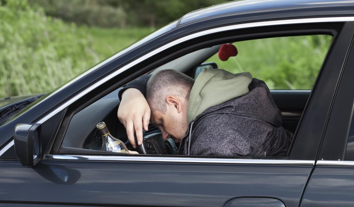Мужчина в Тверской области угнал иномарку у спящего собутыльника