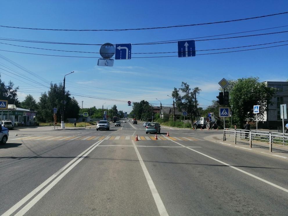 Спешка водителя привела к столкновению посреди перекрёстка в Твери
