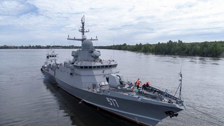 Губернатор Игорь Руденя поздравил военных моряков и ветеранов с Днем ВМФ
