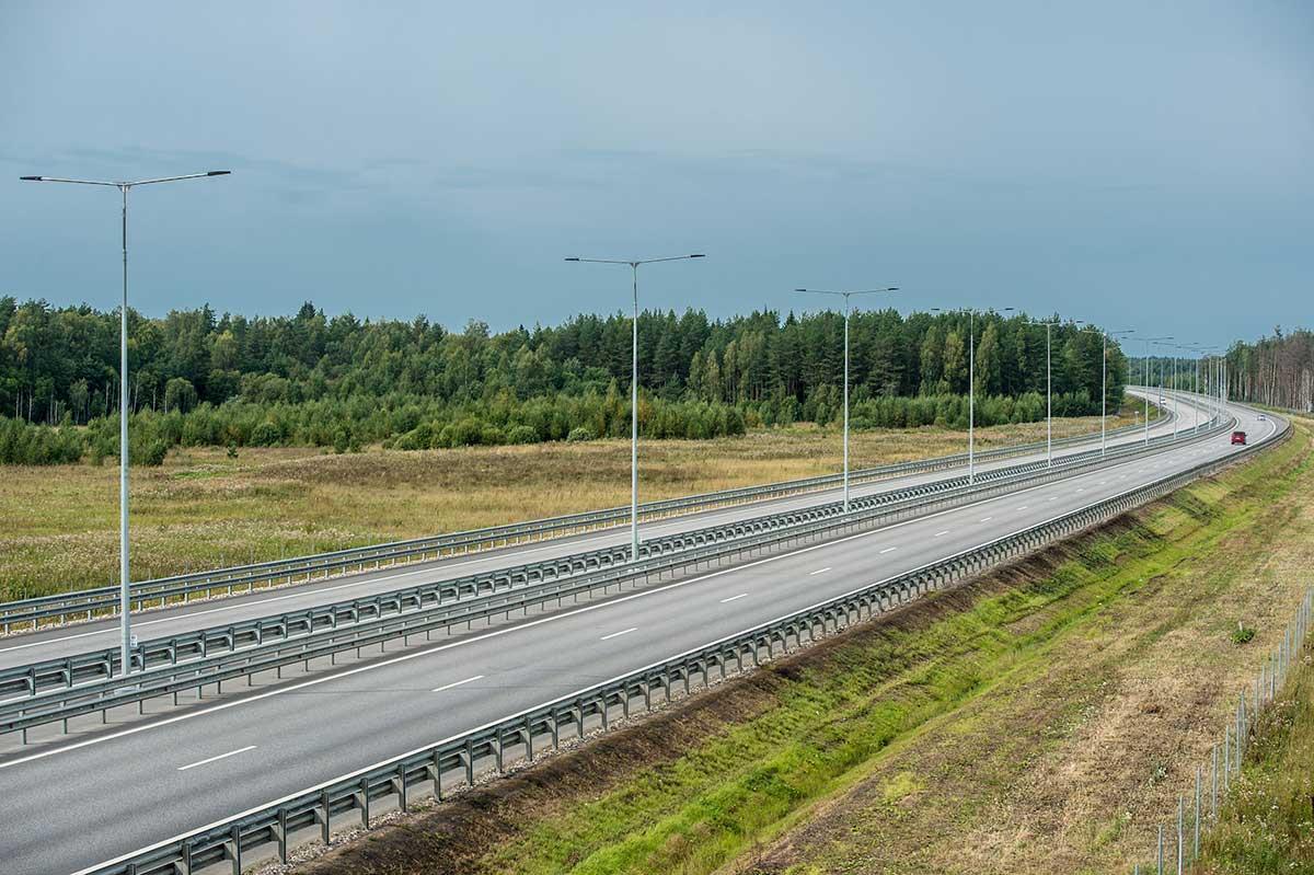 Разогнаться до 130 км/час разрешили ещё на одном участке М-11 в Тверской области