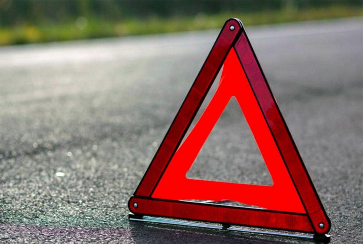 На трассе в Тверской области перевернулась молодая женщина на иномарке