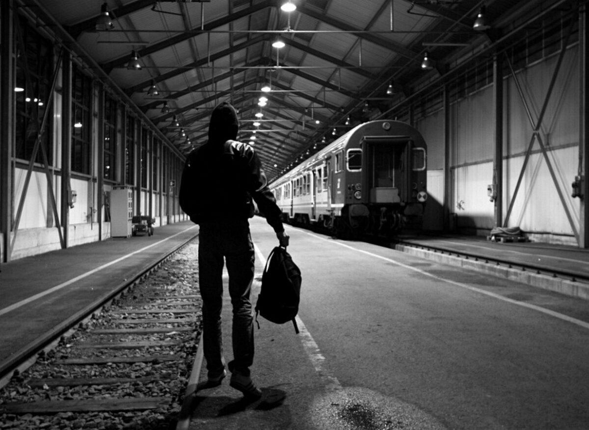 В Тверской области оштрафовали мать подростка, оказавшегося ночью на вокзале