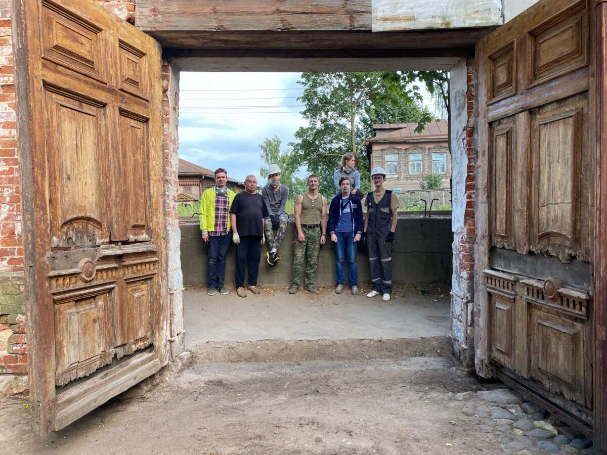 Главные парадные ворота старинной усадьбы открыл «Том Сойер Фест» в Кимрах