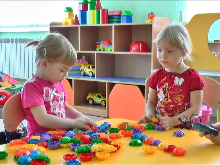 Родителям рассказали, как в Твери устроить детей в детские сады