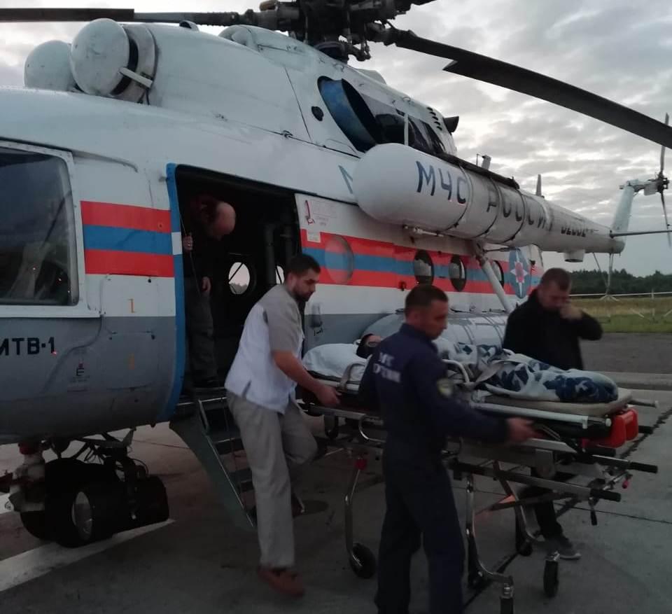 Укушенного змеёй ребёнка экстренно доставили на вертолёте в Тверь