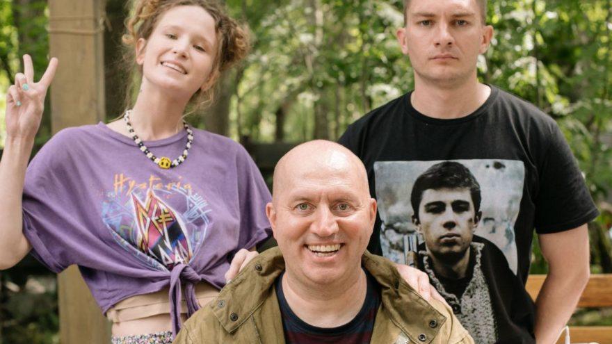 Сергей Бурунов и Монеточка приехали на съемки в Тверскую область