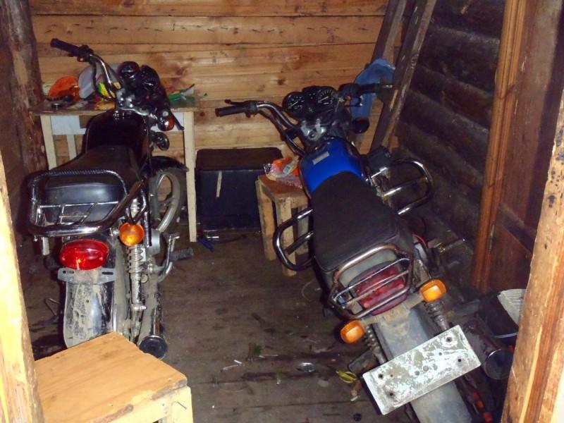 Банда подростков, ворующих из гаражей мопеды, орудовала в Тверской области