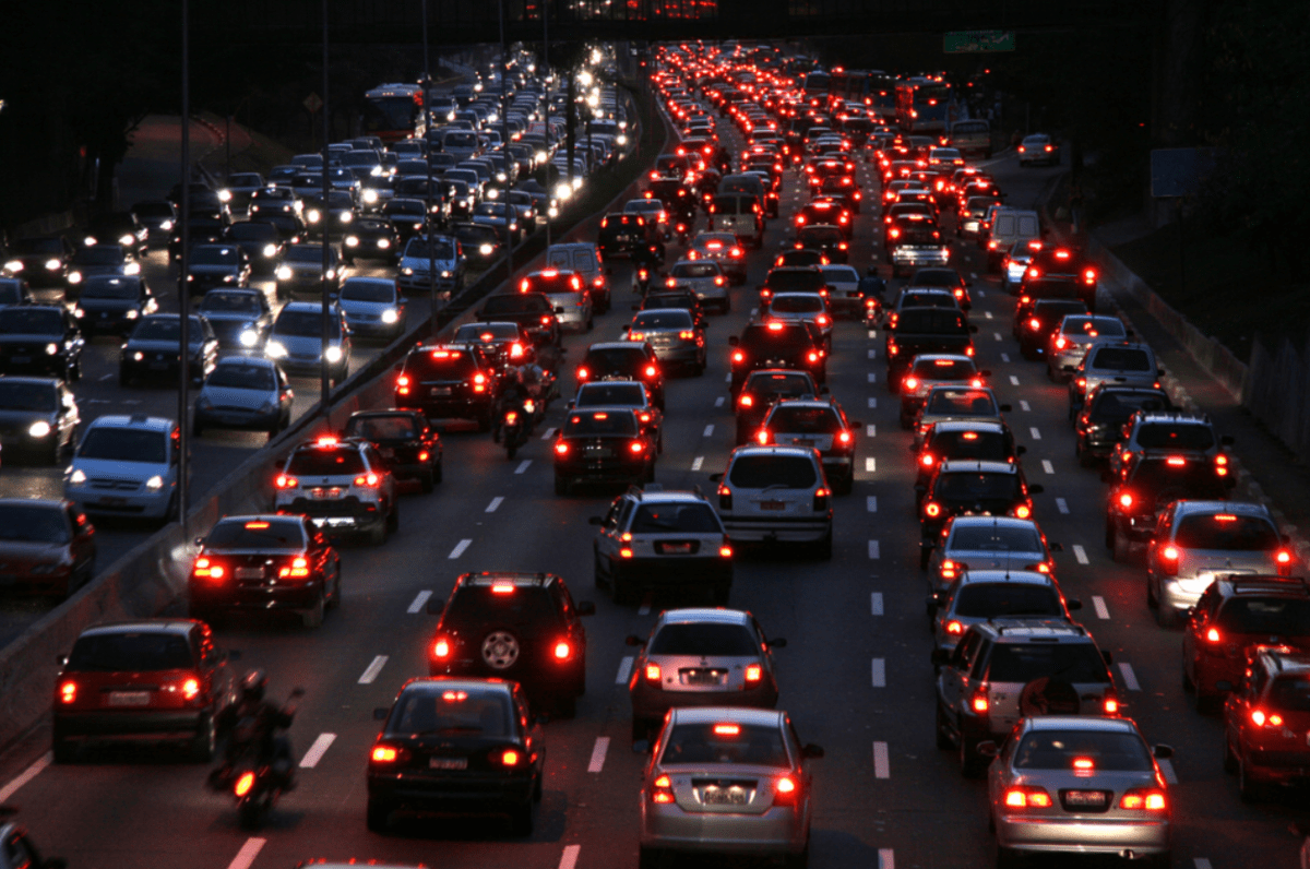 На трассе в Тверской области поток вырос до миллиона машин