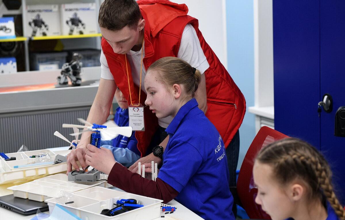 В сельских школах Тверской области появятся 3D-принтеры и шлемы виртуальной реальности