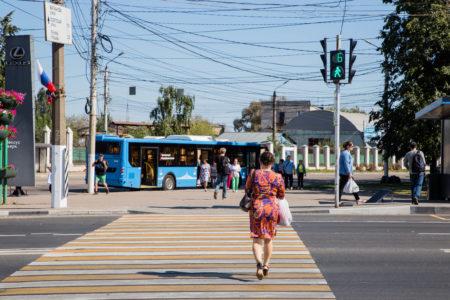 В Твери установят новые светофоры и пешеходные ограждения