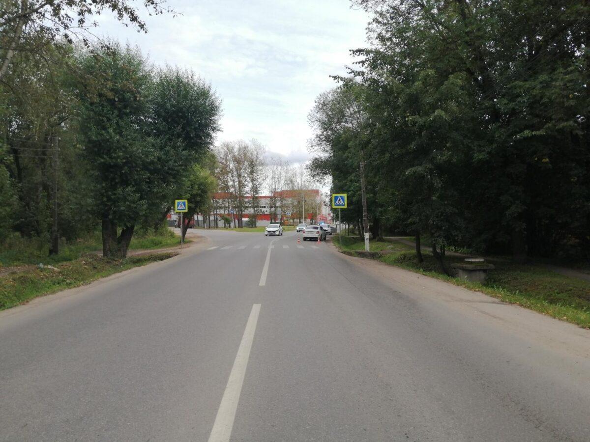 В Твери на пешеходном переходе сбили 17-летнюю девушку