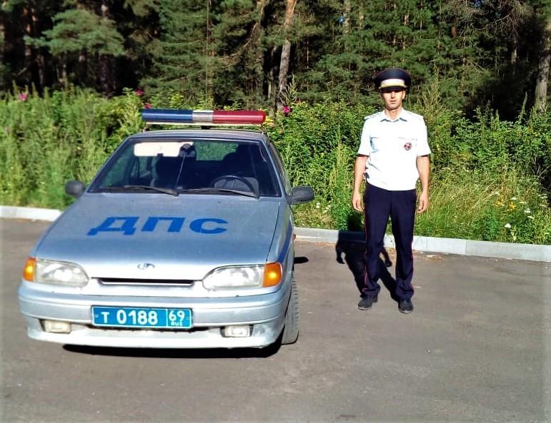 Раненый ребёнок в Тверской области вовремя получил медицинскую помощь благодаря автоинспектору