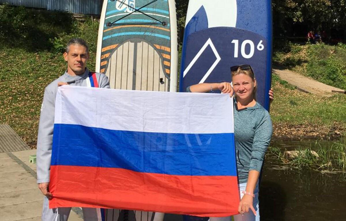 Жители Тверской области присоединились к всероссийскому флешмобу в честь триколора