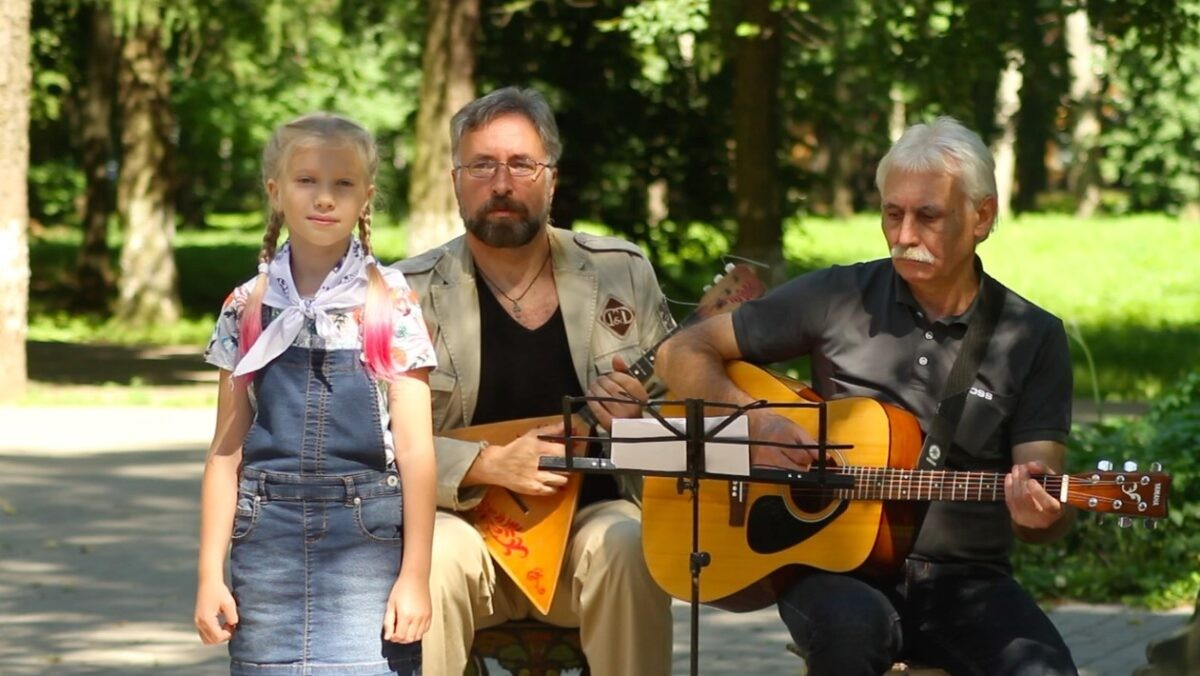 9-летняя девочка покорила бардовский фестиваль в Тверской области