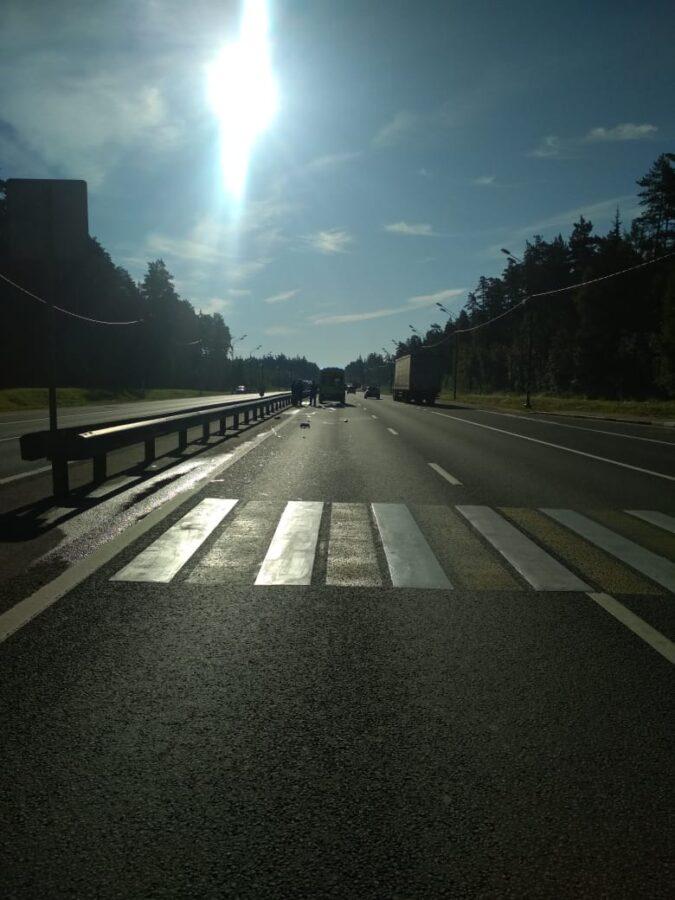 Из-за солнца женщина-водитель насмерть сбила пешехода в Тверской области