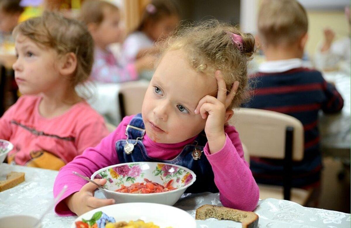 Детские сады Твери будут кормить детей по-старому