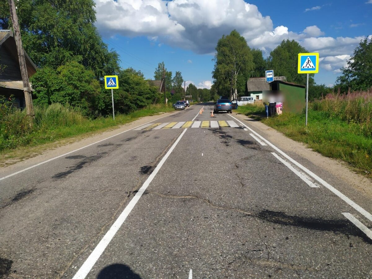 Перебегавший дорогу 5-летний ребёнок попал под колёса ВАЗа в Тверской области