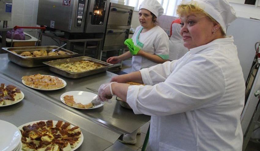 650 тысяч школьников накормила Тверская область