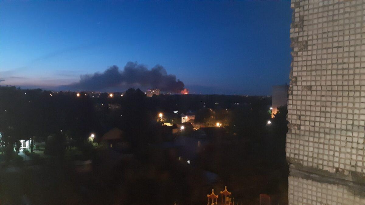 Зарево, напугавшее жителей Твери, оказалось пожаром на химбазе