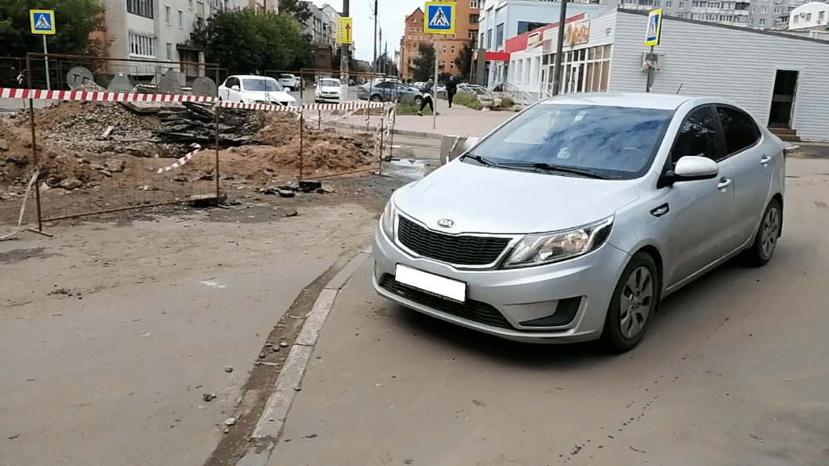 ПДД по барабану: тверские водители полюбили ездить по тротуарам