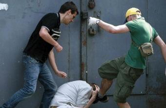 В Тверской области вымогатели избили мужчину и угрожали поджечь дом