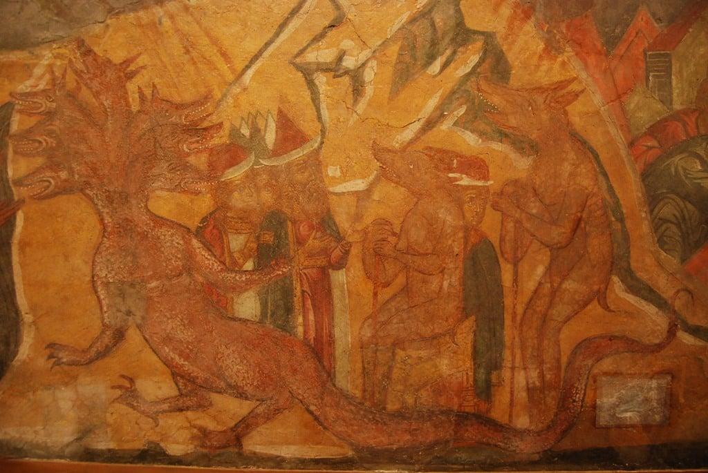 В Москве показали фрески из затопленного монастыря Тверской области