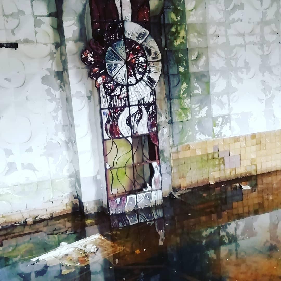 На заброшенном заводе в Тверской области нашли огромную сульфидную люстру
