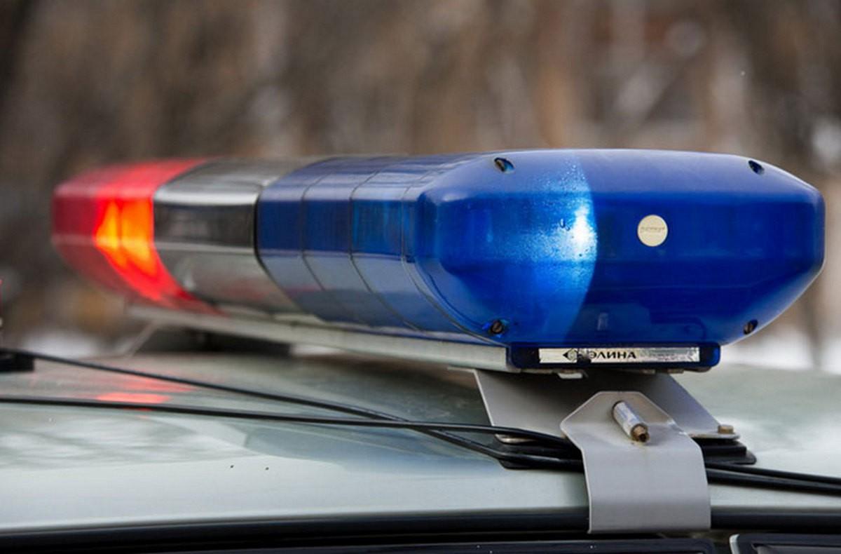 В Тверской области водитель наехал на иномарку, сбил столб и улетел в кювет