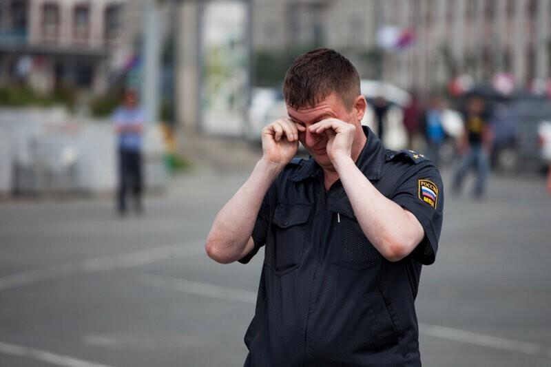 """В Твери дебошир заставил полицейского страдать в """"СССР"""""""