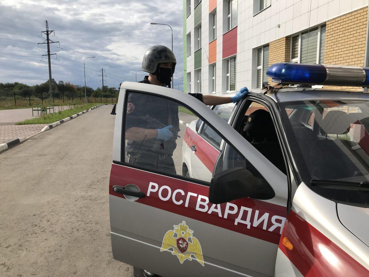 В Тверской области пьяный хулиган покалечил чужой автомобиль