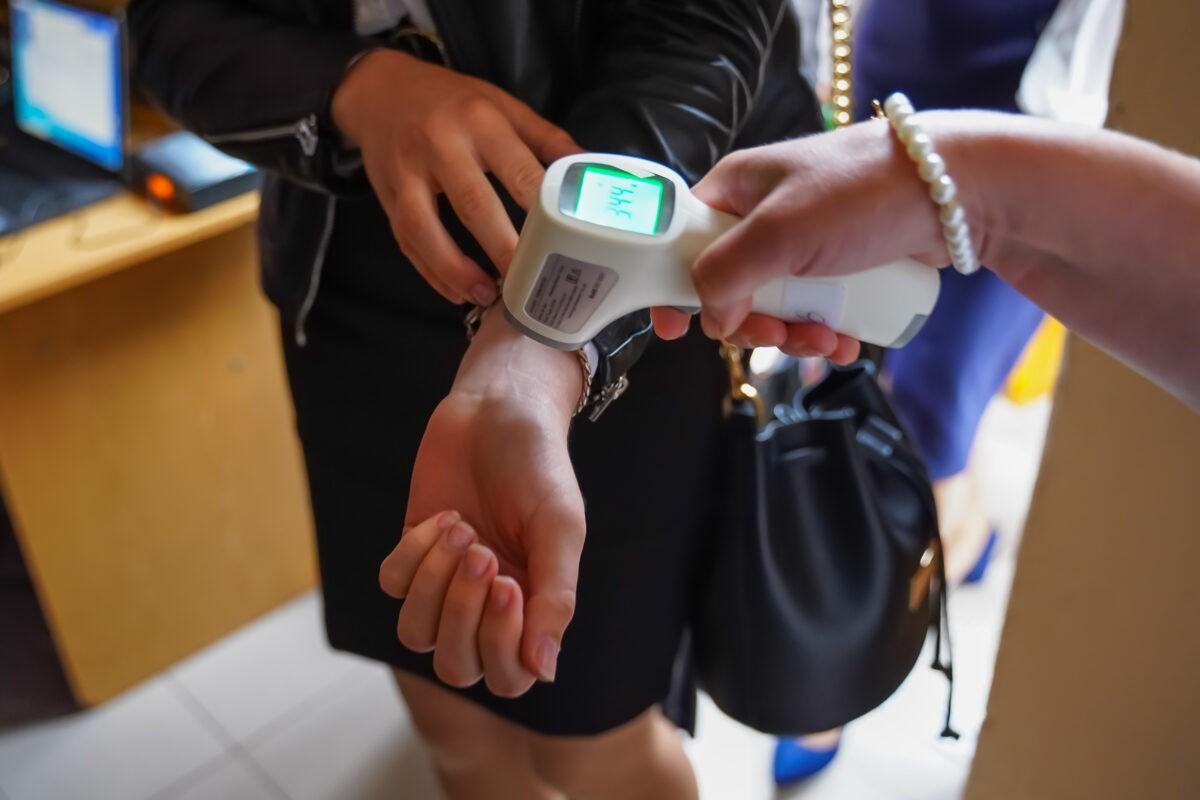 В школы Тверской области поставили более 5 тысяч термометров