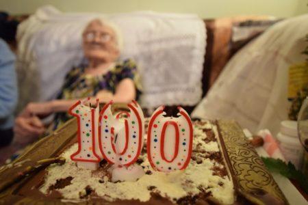 В сентябре пять долгожительниц Тверской области отметили дни рождения