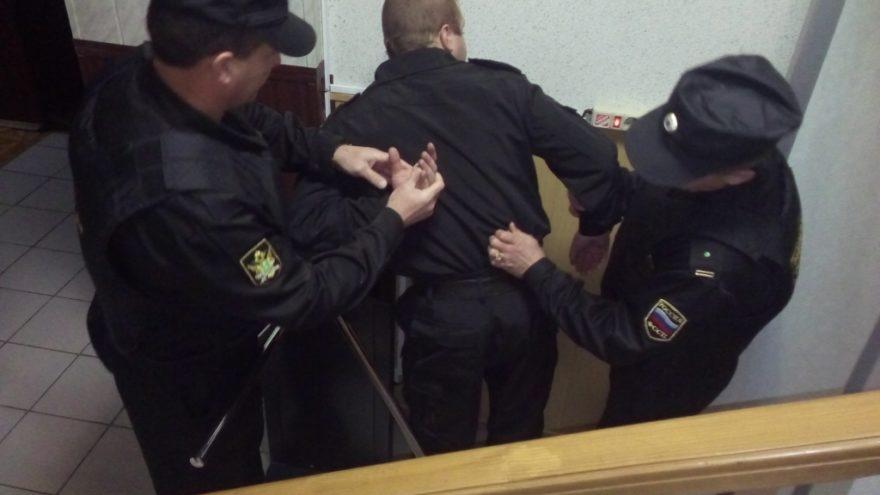 В Твери задержали 11 человек, находящихся в розыске