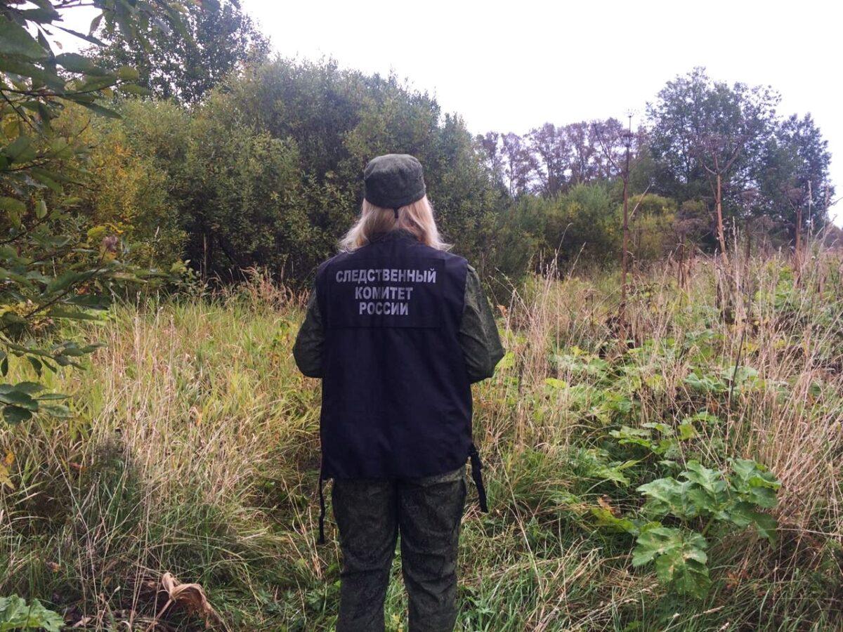 Разлагающееся тело мужчины нашли в лесу в Тверской области