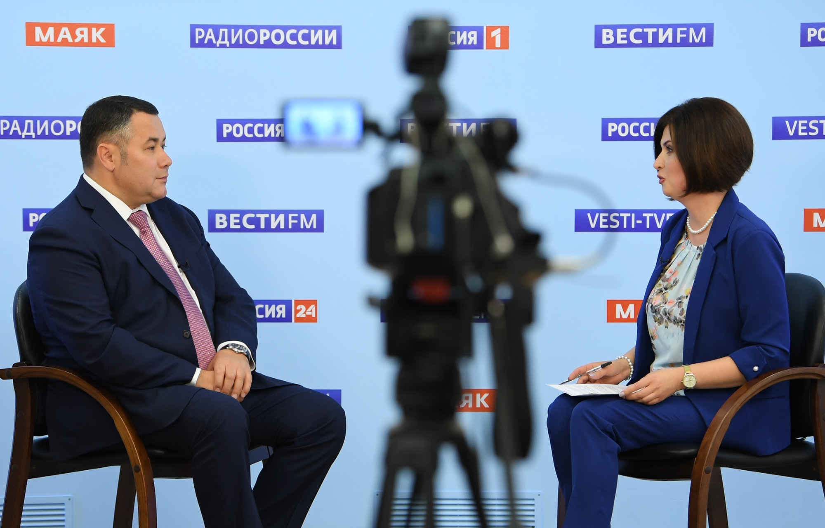 Школы, семьи, вакцины: губернатор Тверской области вновь вышел в эфир