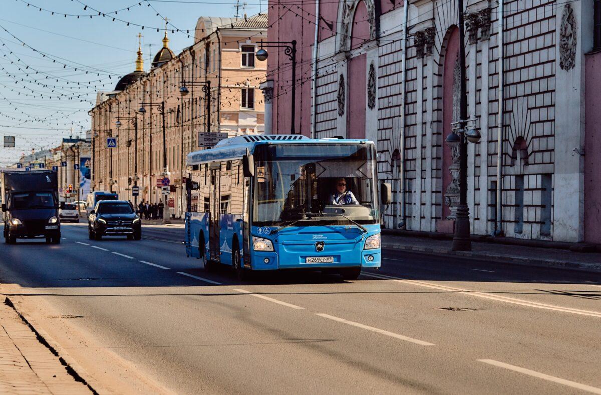 Водители тверских автобусов создали свою футбольную команду