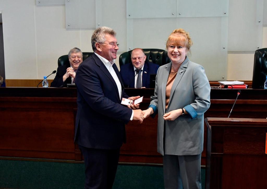 Андрей Белоцерковский официально приступил к депутатским полномочиям
