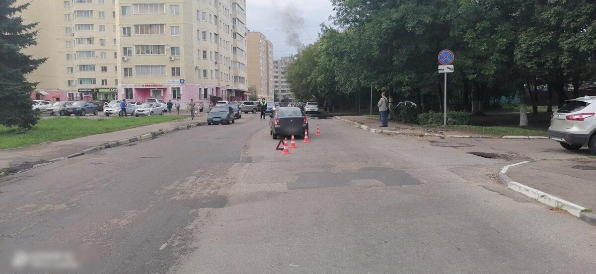 Перебегавшая дорогу 4-летняя девочка попала под колёса машины в Твери