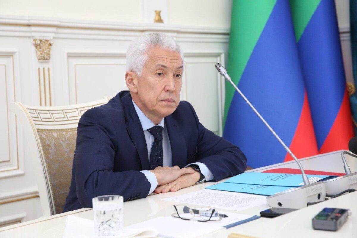 Президент принял отставку главы Дагестана Владимира Васильева