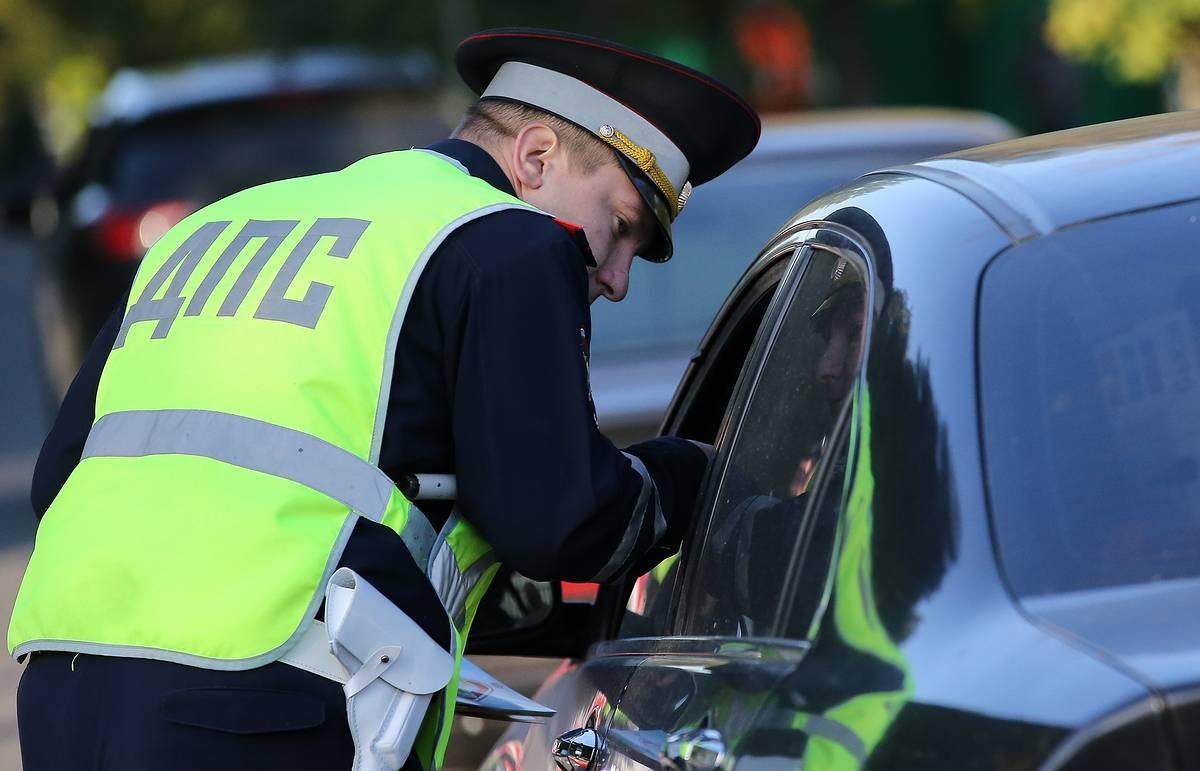 Под Тверью пьяный водитель пытался доказать, что не был за рулем